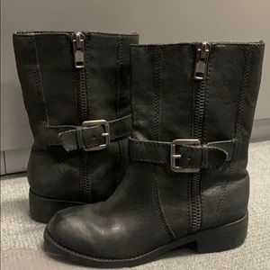 Seychelles black leather buckle boots. Size 6
